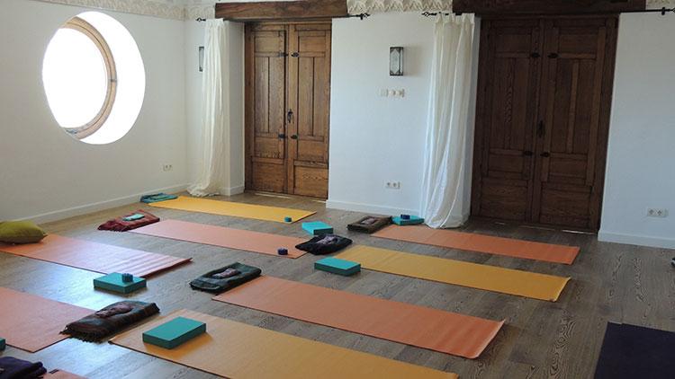 yoga, retreat centre, spain